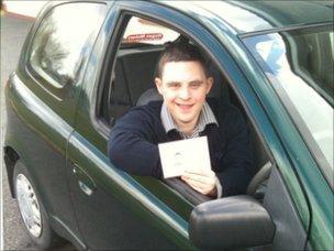 Licencia de conducir para joven con síndrome de Down